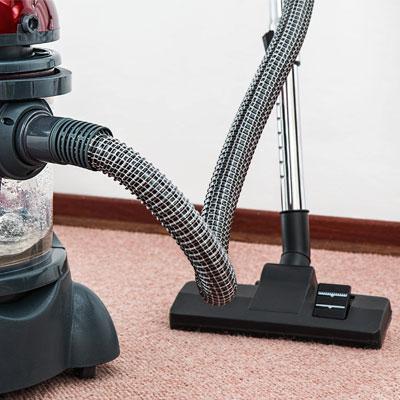 Teppich- & Polsterreinigung